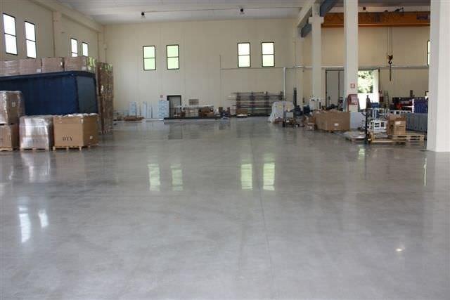 pavimento industriale a pastina pannelli termoisolanti