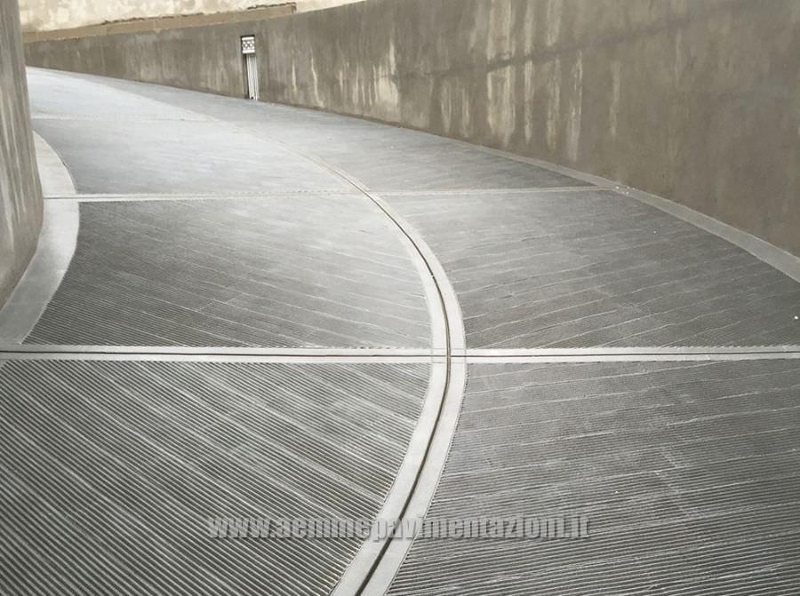 Pavimenti per scivoli garage una fonte di ispirazione for Progetti di garage in blocchi di calcestruzzo